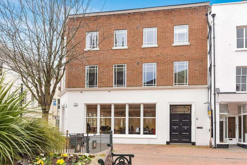 2 Bedrooms Flat for sale in Flat 2, No. 6 St. Peters Street, Hereford, HR1 2PG