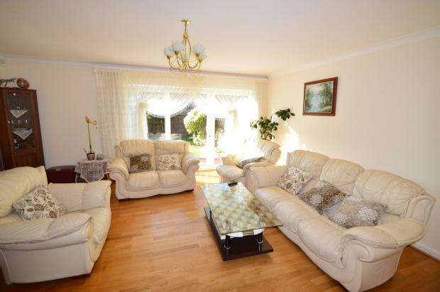 4 Bedrooms Semi Detached House for rent in Alers Road, Bexleyheath, DA6