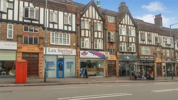 1 Bedroom Flat for sale in Russell Hill Road, Purley, Surrey