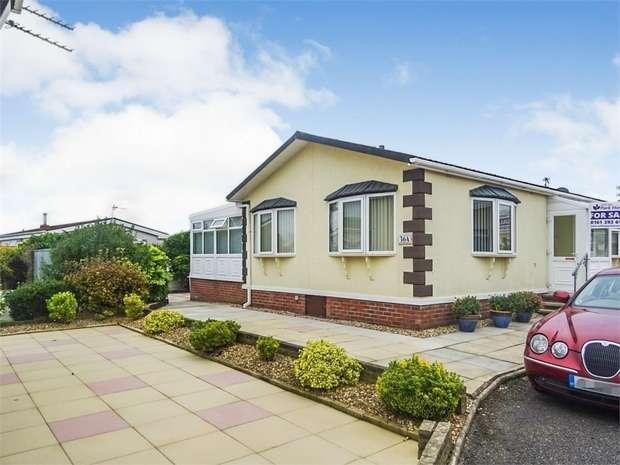 2 Bedrooms Detached Bungalow for sale in Sandy Lane, Preesall, Poulton-le-Fylde, Lancashire