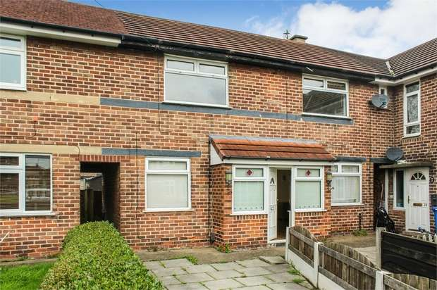 4 Bedrooms Town House for sale in Norfolk Gardens, Flixton, Manchester