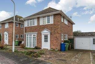 3 Bedrooms Detached House for sale in Bramley Avenue, Faversham, Kent