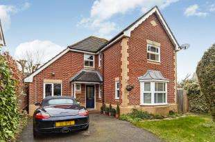 4 Bedrooms Detached House for sale in Rossetti Gardens, Coulsdon