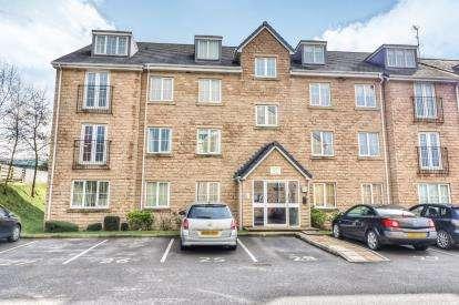 2 Bedrooms Flat for sale in Upper Brook Court, Greenbrook Road, Burnley, Lancashire