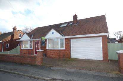 4 Bedrooms Detached House for sale in Regent Avenue, Padgate, Woolston, Warrington