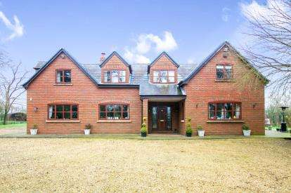 5 Bedrooms Detached House for sale in Saundersfield, Occleston, Cheshire