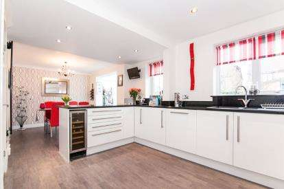 4 Bedrooms Detached House for sale in Moran Close, Wilmslow, Cheshire, .