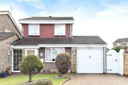 3 Bedrooms Detached House for sale in Greenacres Close, Locksbottom, Orpington