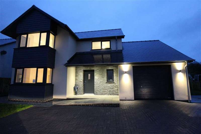4 Bedrooms Detached House for sale in Llandre