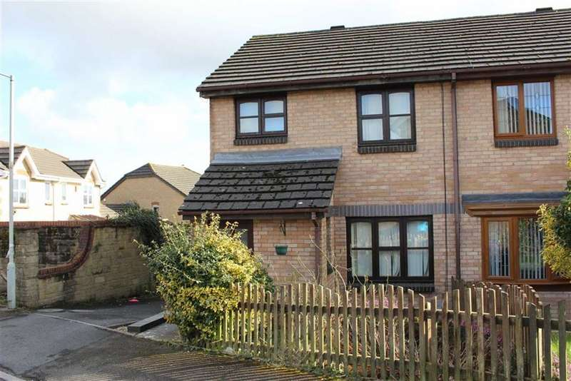 3 Bedrooms Semi Detached House for sale in Clos Ebol, Cwmrhydyceirw