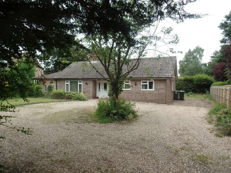 3 Bedrooms Bungalow for sale in Main Road, Welbourn, Lincoln