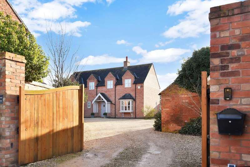 4 Bedrooms Property for sale in Burrough End, Great Dalby
