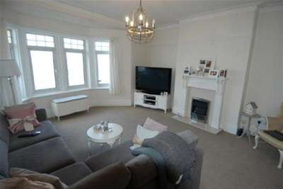 3 Bedrooms Flat for rent in South Parade, West Kirby