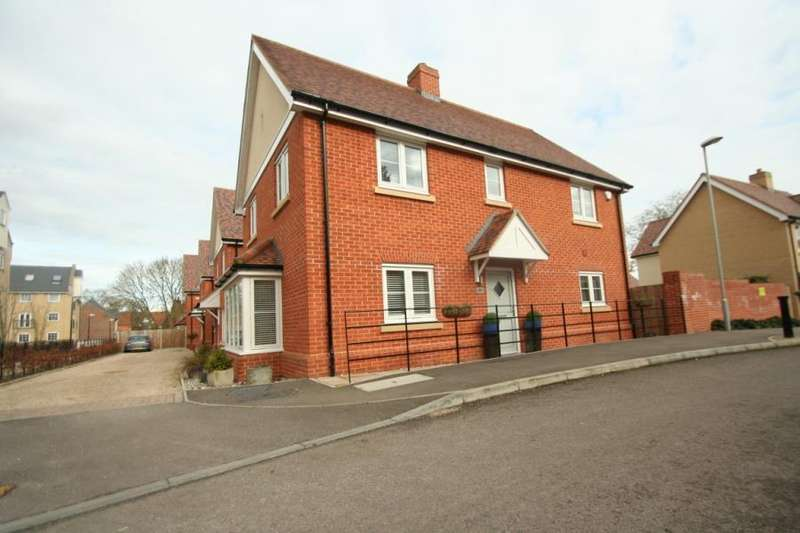 4 Bedrooms House for sale in Chantry Close, Bocking