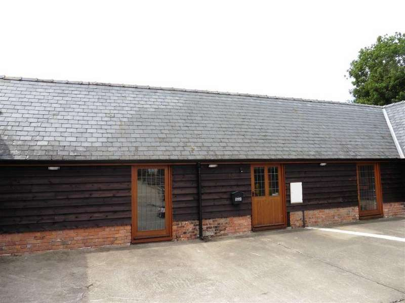 2 Bedrooms Barn Conversion Character Property for rent in Ysgubor Fachwen, Tregynon, Newtown, Powys, SY16