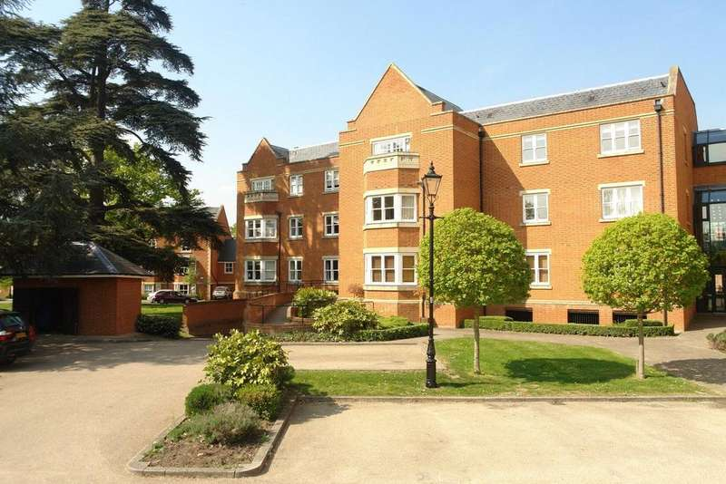 2 Bedrooms Apartment Flat for sale in Pemberley Lodge, Longbourn, Windsor, Berkshire, SL4