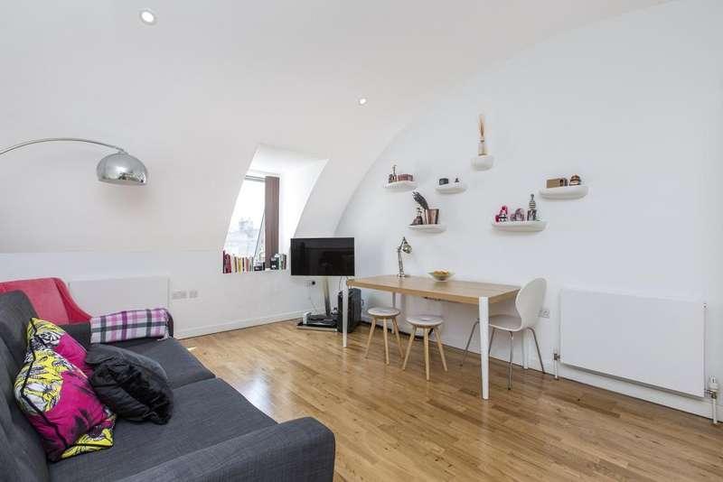 2 Bedrooms Flat for rent in Garrett Street Clerkenwell EC1Y