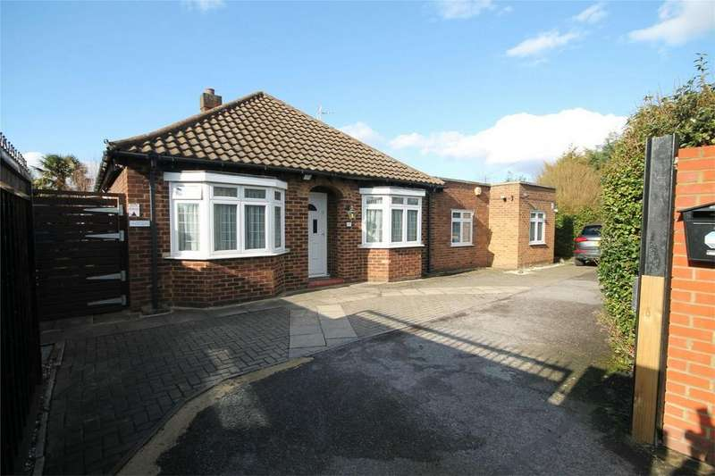 4 Bedrooms Detached Bungalow for sale in Chertsey Road, Ashford, Surrey