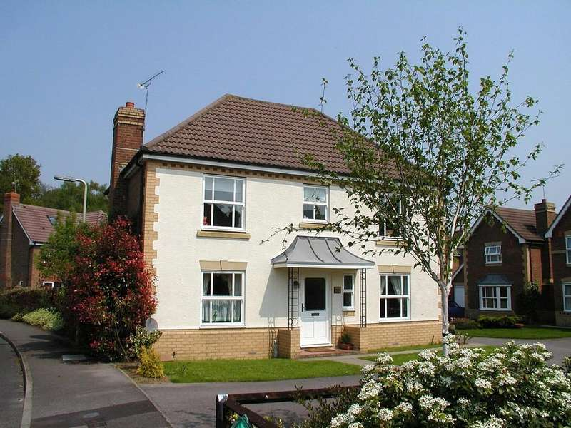 4 Bedrooms Detached House for rent in Acorn Grove, Knightwood Park, Chandler's Ford