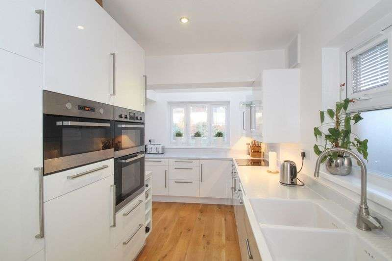 3 Bedrooms Property for sale in 3 bedroom end-of-terrace, Portchester
