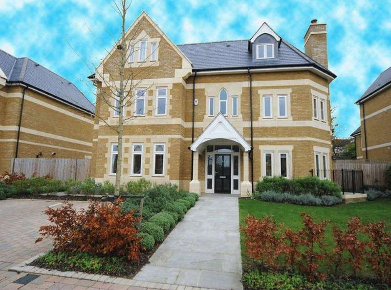 6 Bedrooms Detached House for sale in Havanna Drive Temple Fortune NW11