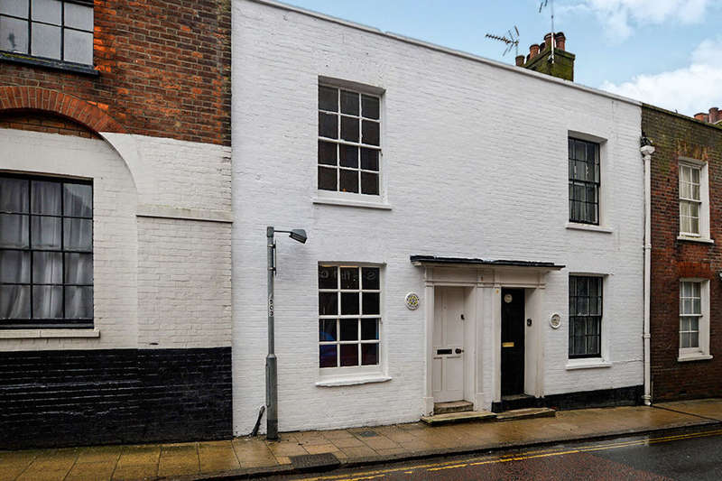2 Bedrooms Terraced House for sale in Tower Street, Rye, TN31