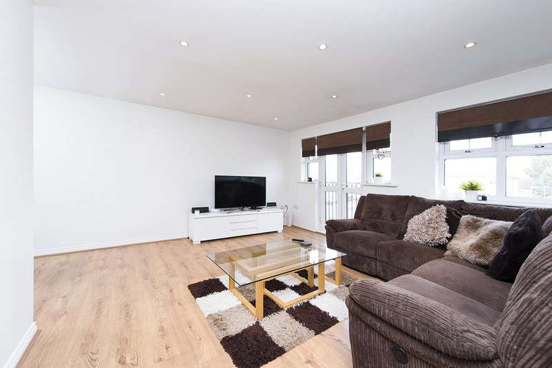 2 Bedrooms Apartment Flat for sale in Tingwall Court, 3 Bressay Drive, Mill Hill, London, NW7