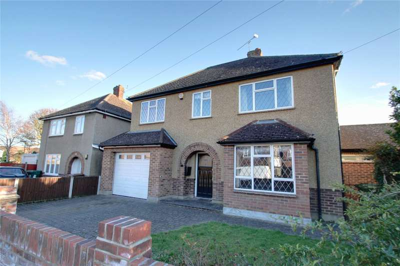 4 Bedrooms Detached House for rent in Fontmell Park, Ashford, Surrey, TW15