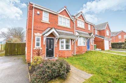 3 Bedrooms Semi Detached House for sale in West Bank Street, Widnes, Cheshire, Widnes, WA8