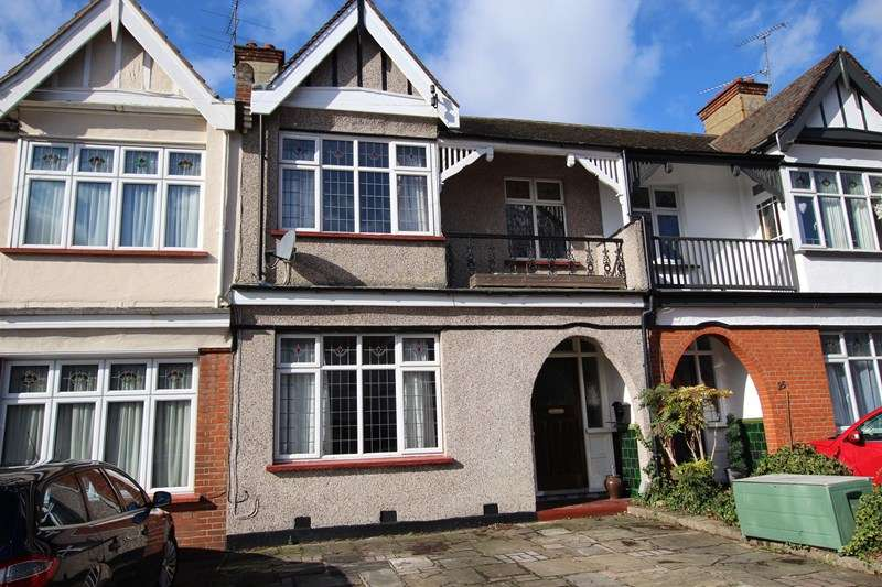 3 Bedrooms Terraced House for sale in Southchurch Village, Southend on Sea