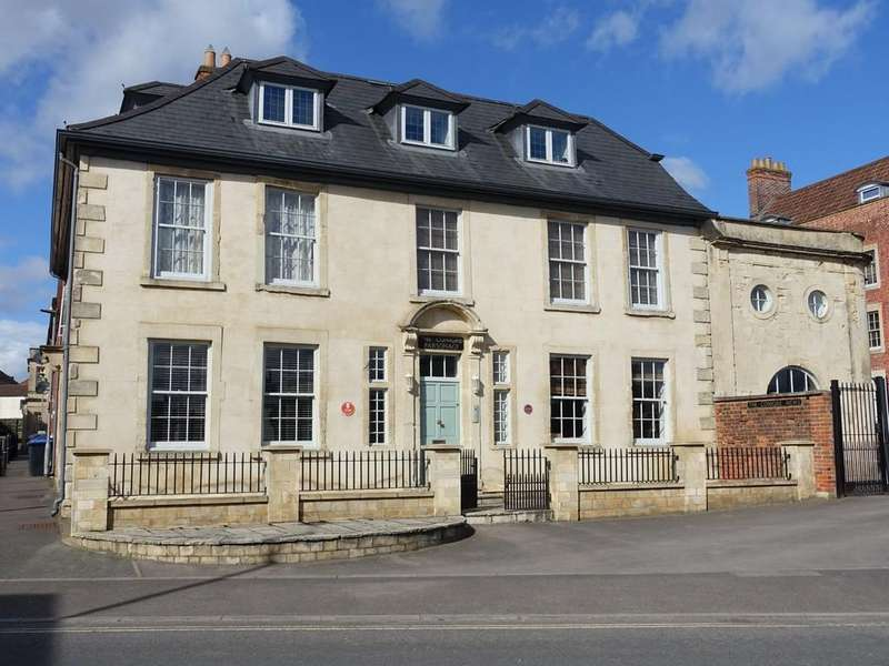 1 Bedroom Apartment Flat for sale in Trowbridge, Wiltshire