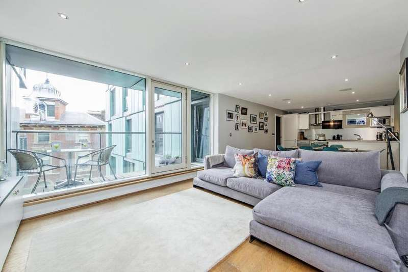 2 Bedrooms Flat for sale in Brewery Square, Clerkenwell