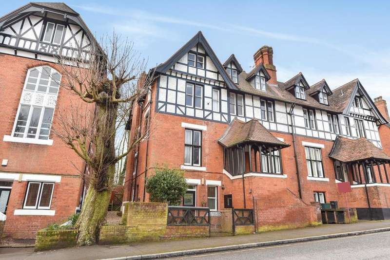 3 Bedrooms Flat for sale in Crystal Palace Park Road, Sydenham