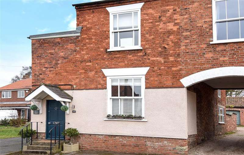3 Bedrooms Semi Detached House for sale in High Street, Welbourn, LN5