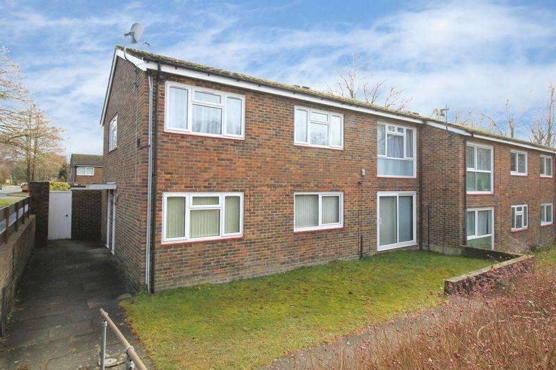 2 Bedrooms Apartment Flat for sale in Furnace Green, Crawley