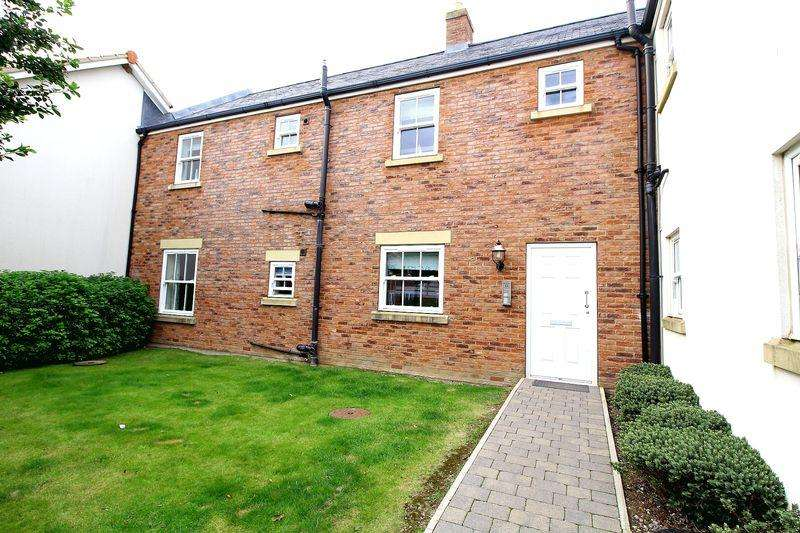 2 Bedrooms Apartment Flat for sale in The Bay, Filey, YO14 9GJ