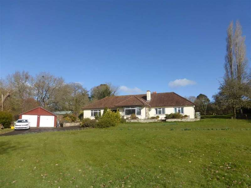 4 Bedrooms Bungalow for rent in Lodes Lane, Kingston St. Mary, Taunton, Somerset, TA2