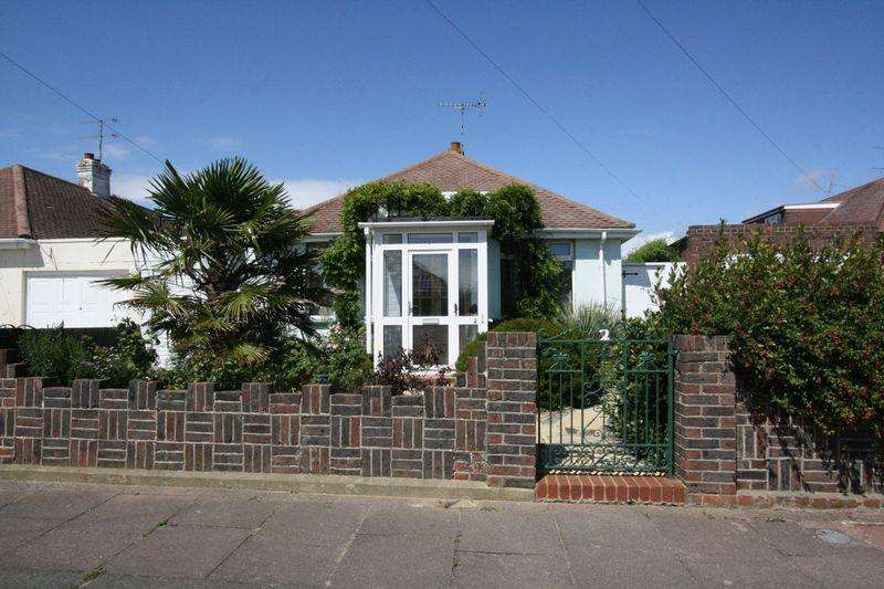 2 Bedrooms Bungalow for sale in Keymer Crescent, Worthing