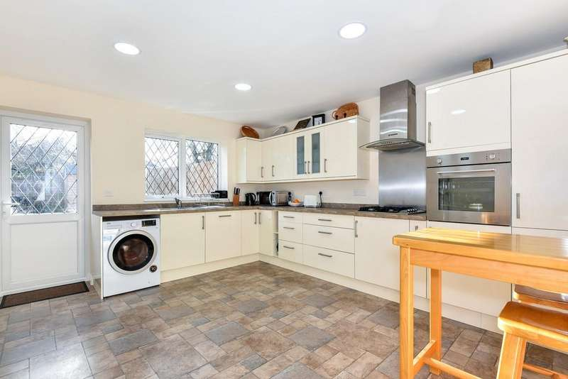 4 Bedrooms Semi Detached House for sale in Ulverley Green Road, Solihull