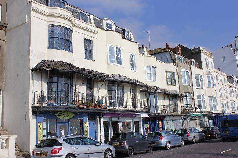 4 Bedrooms Flat for sale in White Rock , Hastings, East Sussex