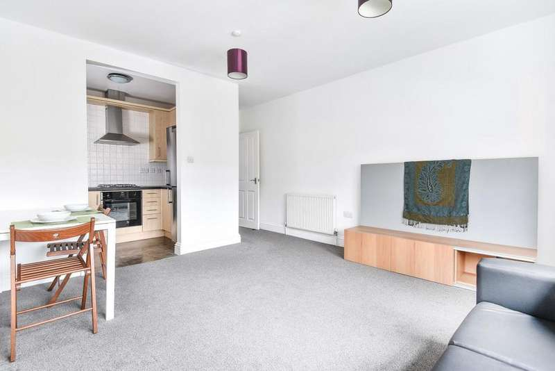 2 Bedrooms Flat for sale in Byton Road, Tooting
