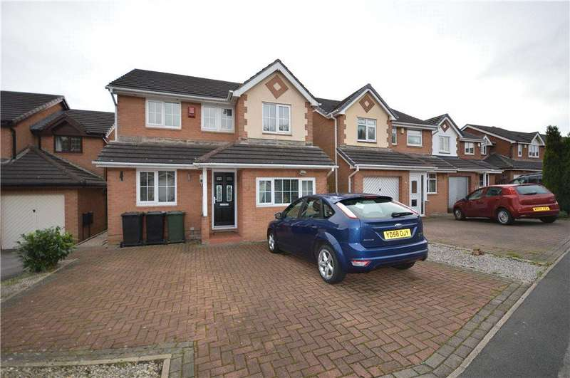 4 Bedrooms Detached House for sale in Bryony Court, Leeds