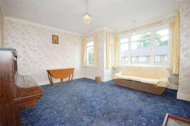 2 Bedrooms Flat for sale in Drayton Road, Harlesden, London