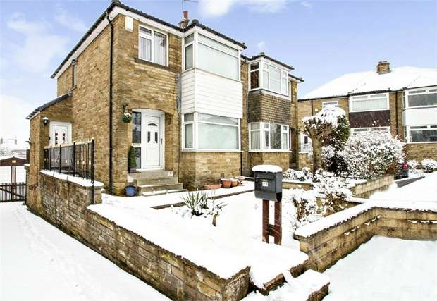 3 Bedrooms Semi Detached House for sale in Farlea Drive, Bradford, West Yorkshire
