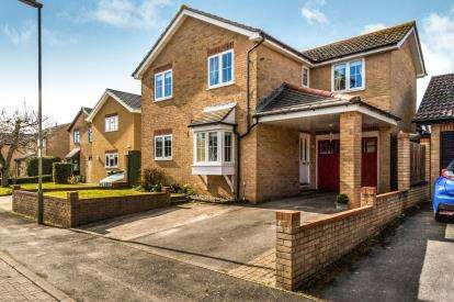 4 Bedrooms Detached House for sale in Fareham, Hampshire, Uk