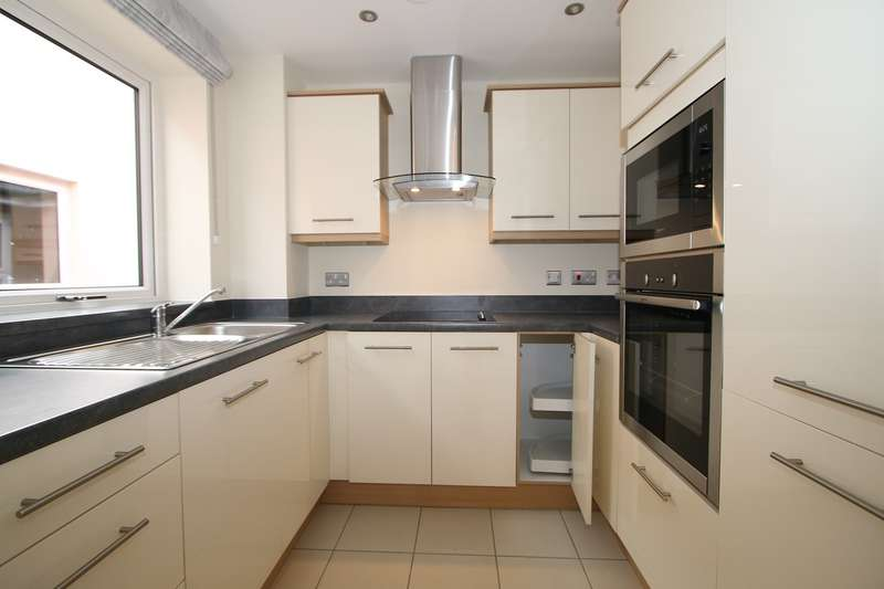2 Bedrooms Apartment Flat for sale in Park Road, Hagley, Stourbridge, DY9