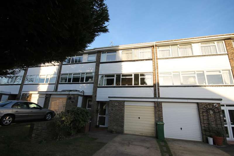 4 Bedrooms Town House for rent in Wellesford Close, Banstead