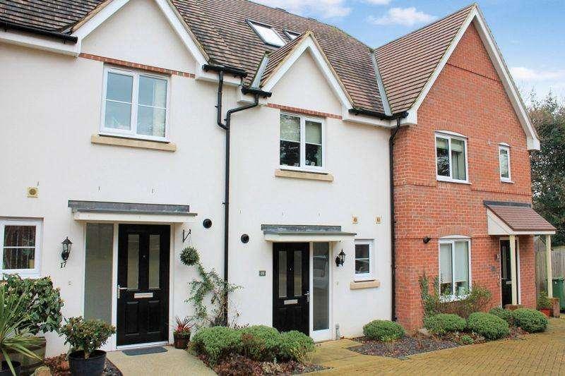 4 Bedrooms Terraced House for sale in The Alders, Billinghurst
