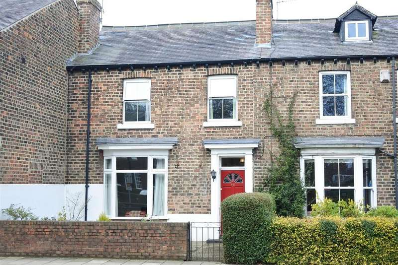 3 Bedrooms Town House for sale in South Parade, Northallerton