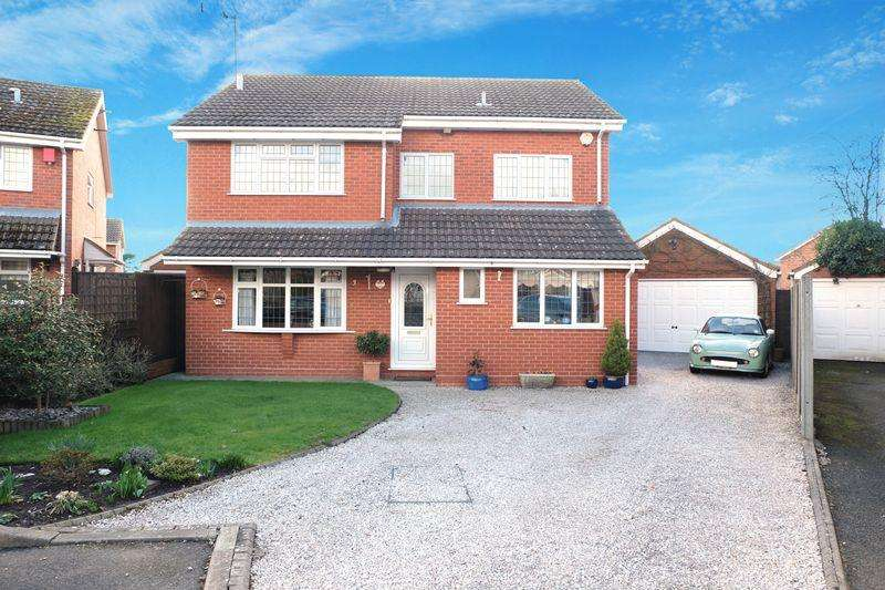 4 Bedrooms Detached House for sale in Astley Court, Stourport-On-Severn DY13 0JU
